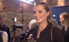 PUBLIKU VIDEO: Enrique Iglesiase nimel R2 Aastahiti trofee vastu võtnud Leen Kadakas paljastas, mis sarvilisest auhinnast tegelikult saab!