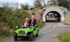 FOTOD ja VIDEO: Sajad lapsed said kingituseks liikluspäeva Laitses
