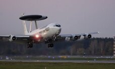 "ФОТО: В аэропорту ""Рига"" сел самолет-разведчик НАТО"