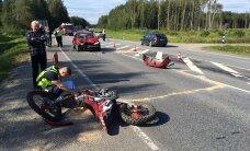 ФОТО: В Йыгевамаа столкнулись кроссовый мотоцикл и автомобиль
