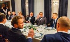 FOTOD: Ilves kutsus ministrid viimast korda Kadriorgu õhtusöögile