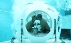 Блюда в пакетах и официанты в аквалангах: Подводный ресторан в Бельгии