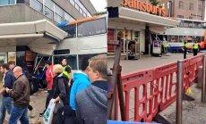 FOTOD: Inglismaal sõitis kahekordne buss kauplusesse, kaks inimest sai surma