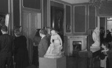 VANAD FILMIKAADRID: Vaba aeg 1950-ndatel ehk daamid ja härrad panid šikid riided selga ja läksid Köleri näitusele