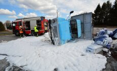 Viljandimaal paiskus veoauto külili