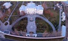 Aktivistide filmitud video Porošenko kodust, mis deklaratsiooni järgi maksab vaid veidi üle miljoni euro.