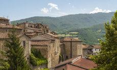 Ночное землетрясение разрушило два городка в центре Италии