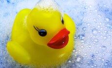 Дерматологи запретили мыть детей каждый день