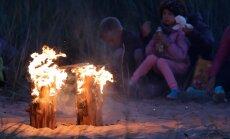 DELFI FOTOD: Hulk rahvast kogunes Vääna-Jõesuusse muinastulede ööd nautima