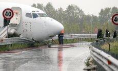 VIDEOD SÜNDMUSKOHALT: Kaubalennuk leidis kummalise koha, kus maanduda
