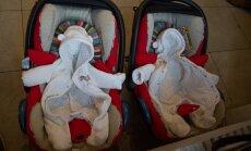 Harukordne juhtum: naisele sündis viienädalase vahega kaks tütart