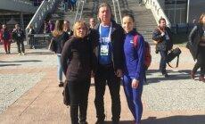 Maie,Jaak ja Merilyn Uudmäe pärast eilset debüüti Belgradi EM-i võistlushalli ees