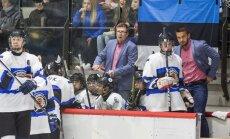 Peatreener Saku Martikainen (taga vasakul) nägi Eesti hokit esimest korda neli päeva enne MM-i algust.