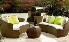 Как ухаживать за деревянной садовой мебелью?