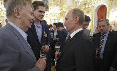Viktor Tihhonov ja Vladimir Putin