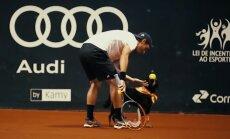 VIDEO: Päästetud teise ringi koerad võtavad tenniseturniilil pallipoistena koha sisse