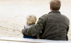 Почему в некоторых случаях ребенка отдают отцу, а не матери?