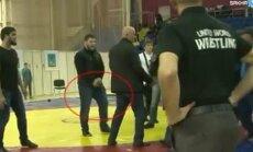 ВИДЕО: С пистолетом на ковер: чеченцы подрались с дагестанцами