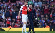 Arsenali kapten Mertesacker põlvevigastusega mitu kuud audis