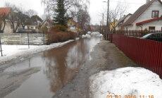 FOTO: Sulailmaga jääb terve tänav vee alla