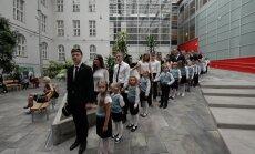 FOTOD JA VIDEO: 1.september! Tallinna 21. kooli avaaktusel musitseeris kooli vilistlane Karl-Erik Taukar
