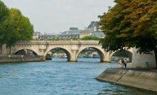 17. sajandil valminud Pont Neuf ehk Uus sild on tänapäeval Cité saarele viiv vanim sild.