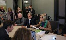 DELFI FOTOD: Riigikogu viis fraktsiooni esitas Kersti Kaljulaidi ametlikuks presidendikandidaadiks