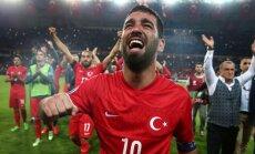 16 päeva jalgpalli EM-ini: Hollandi finaalturniiri ukse taha jätnud türklased loodavad raskest alagrupist edasi pääseda