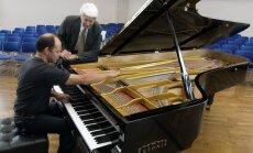 Slovjanski kunstide kooli õpilane uuest Estonia klaverist: isegi mängida on sellel hirmus!
