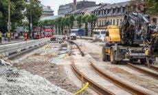 FOTOD: Tallinna südalinnas liiklejaid nörritav trammitee ehitus kestab veel üle kuu