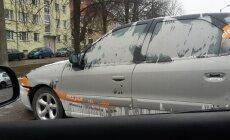Värviga rikutud auto