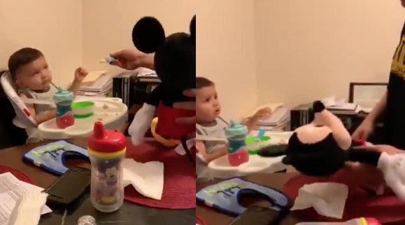 ŠOKEERIV VIDEO | Lapsevanemad peksavad oma laste ees nende pehmeid mänguasju, et sundida lapsi taldrikut tühjaks sööma