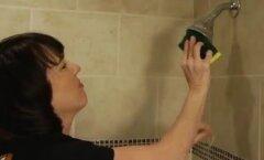 VIDEO: Polegi vaja uut dušiotsikut osta! Vaata, kuidas vana täiuslikult puhtaks saada