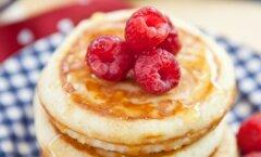 Pidulik pühapäevahommik: 25 parimat pannkookide retsepti, millega ema üllatada