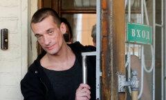 Петр Павленский эмигрировал из России