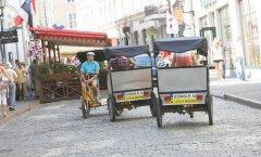 Почему велотакси продолжают ездить по Таллинну, если их так сильно хотели запретить?