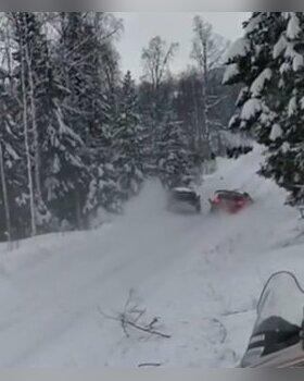 VIDEOD | Skandaalne hetk: Ott Tänaku ja Kris Meeke'i kokkupõrge Rootsi ralli 13. kiiruskatsel