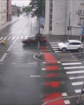 ŠOKEERIV VIDEO | Kuidas elektritõukerattaga mitte sõita