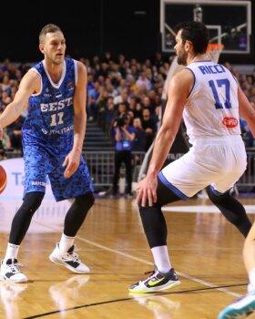 BLOGI, FOTOD JA VIDEO   Eesti korvpallikoondis sai Itaalia vastu kätte suure edu, aga lõpuks ikkagi kaotas