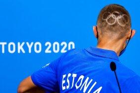 Roman Fosti lasi end juba Keenias olümpiameeleollu viia. Tänasel pressikonverentsil näitas meie maratoonar uut soengut.