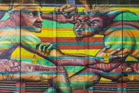 Graffitikunstnike töö Telliskivi loomelinnakus