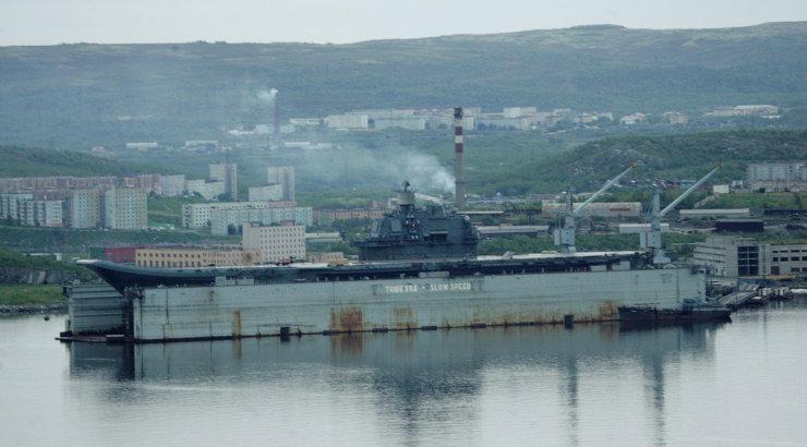 Laevaremonditehases süttis põlema Venemaa ainus lennukikandja Admiral Kuznetsov