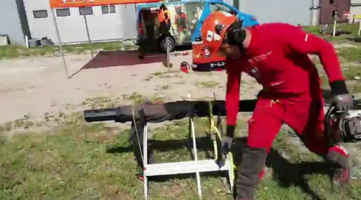 KARM VIDEO | Kas turvapüksid peavad mootorsae kinni enne, kui see jala otsast lõikab?