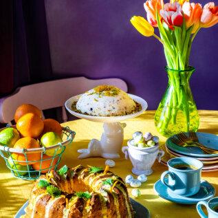 KATAME PIDULAUA | Proovi soolast ja karget suitsukalasalatit redisega ning ürdikastmega lambaliha. Lisaks pakume siiruviirulist apelsinikooki ja kevadpühade kuulsaimat magustoitu pashat!