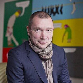 Rain Kooli on Soome-Eesti ajakirjanik, kolme lapse isa ning oma 25aastase karjääri jooksul palju kokku puutunud ka terviseteemadega.