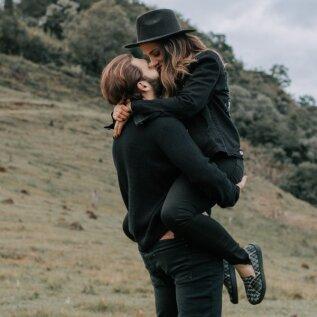 Kuidas tunda teises inimeses ära hingesugulane ja kaksikleek? Mida need tähendavad? Terapeut selgitab