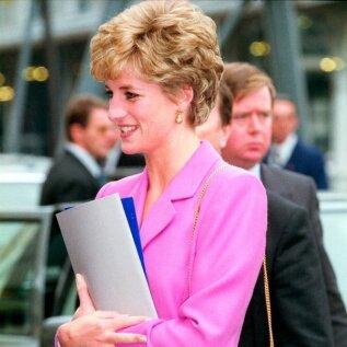 Legendaarne stiiliikoon printsess Diana teadis roosa värvi võlusid.