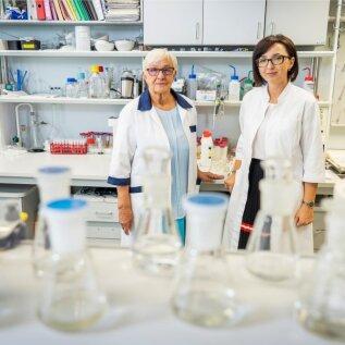 Konsultant PhD Anu Viitak jalaborijuhataja PhD Maria Kulp.