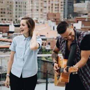 Muusikaterapeut avaldab põhjused, miks tasuks rohkem armastuslaule kuulata