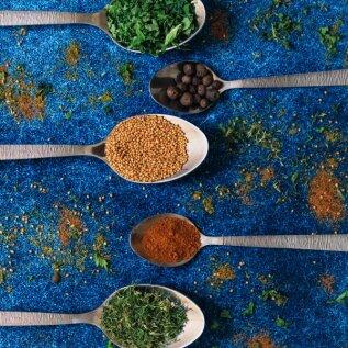 Millal kasutada värskeid ja millal eelistada kuivatatud ürte? Kas maitsel on üldse mingit vahet?